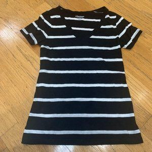 🦄 Old Navy / Small / Stripe Vintage Tee